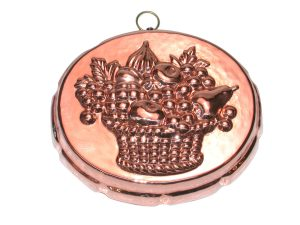 Oval copper mold with fruit basket decor cm. 21
